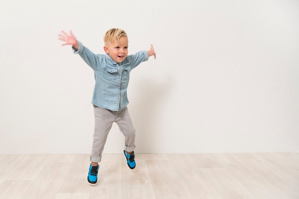 kid active shoes